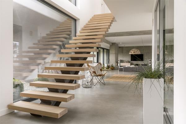 Escalier intérieur bois